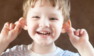 Лопоухость у детей. Что нужно знать родителям